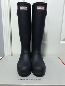 Hunter Rubber Buckle Black Boots