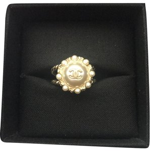 5d1d1282e2701b Chanel Rings on Sale - Up to 70% off at Tradesy