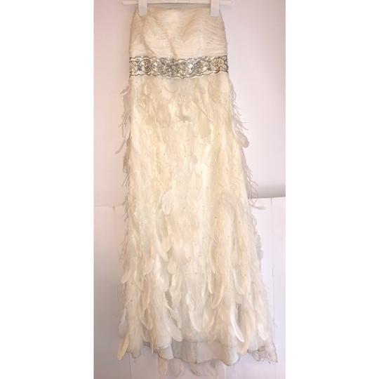 Sue Wong White Chiffon Ostrich and Goose Feathers Beaded Gown Modern Wedding Dress Size 12 (L) Image 4