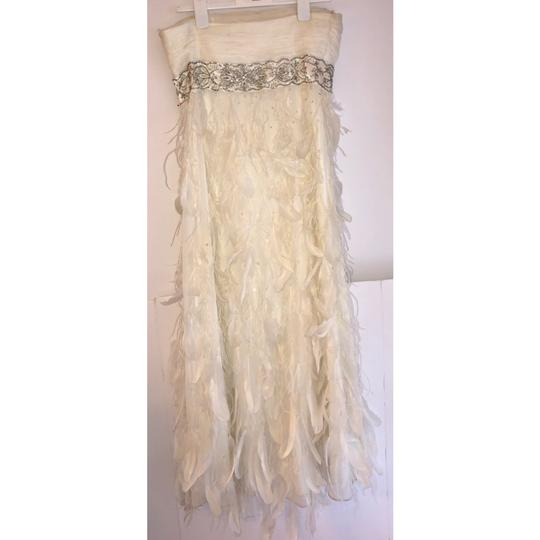 Sue Wong White Chiffon Ostrich and Goose Feathers Beaded Gown Modern Wedding Dress Size 12 (L) Image 5