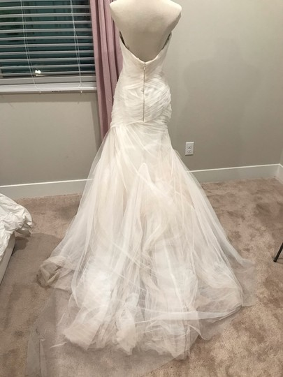 Bliss by Monique Lhuillier Tulle Mermaid Gown Formal Wedding Dress Size 6 (S) Image 4