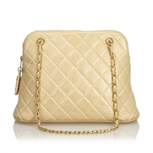 Chanel 9echsh001 Vintage Cowhide Leather Shoulder Bag
