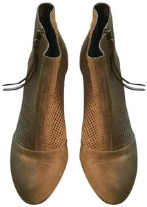 Johnston & Murphy Nubuck Tassels Perfo Wood Stacked Heel Perforated Grey Boots