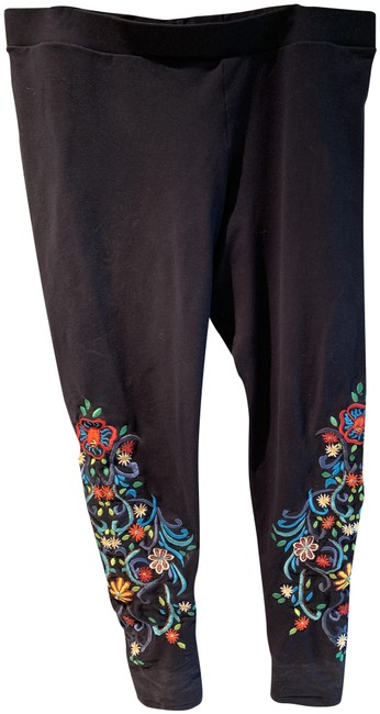 Item - Black with Colored Embroidery Leggings Size 12 (L, 32, 33)
