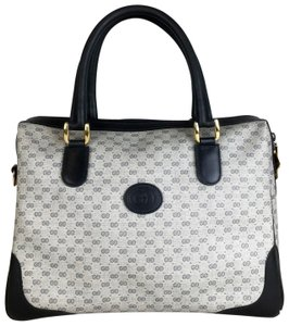 20527e999aa742 Gucci Bags on Sale - Up to 70% off at Tradesy