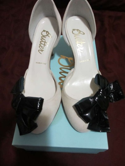 Butter Round Toe Suede Patent Leather D'orsay Kitten Bow Unique Rare Cream Pumps