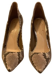 Jessica Simpson Snake skin...light tan, brown and beige Pumps