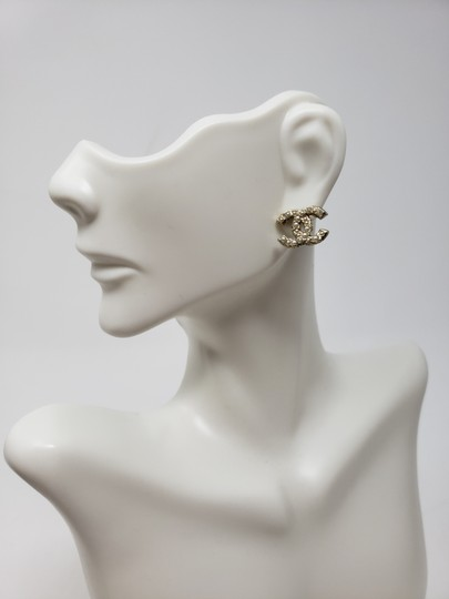 Chanel Gold-tone Chanel faux pearl Strass interlocking CC earrings Image 1