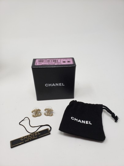 Chanel Gold-tone Chanel faux pearl Strass interlocking CC earrings Image 2
