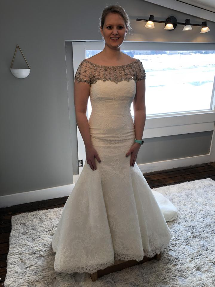 Modest Wedding Dress.Cristiano Lucci Ivory Lace 12801 Modest Wedding Dress Size 8 M 56 Off Retail