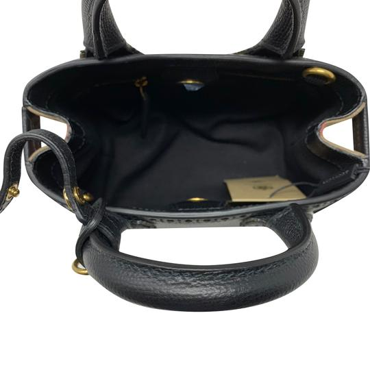 Burberry Tote in black Image 9
