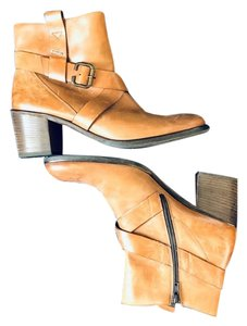 c0e12ebd47 Paul Green Boots & Booties Up to 90% off at Tradesy