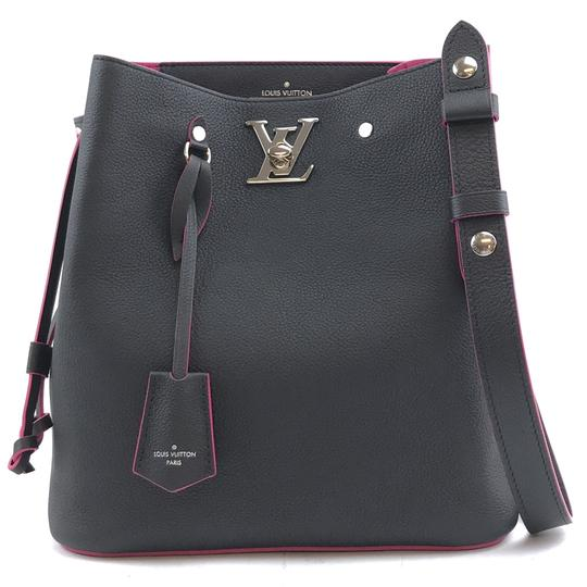 Preload https://img-static.tradesy.com/item/25451982/louis-vuitton-lockme-bucket-29873-rare-lv-turnlock-black-with-pink-trim-leather-shoulder-bag-0-1-540-540.jpg