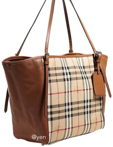 8d1a8eca2d Leather Burberry Totes - Up to 70% off at Tradesy