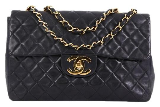Preload https://img-static.tradesy.com/item/25453934/chanel-classic-flap-vintage-classic-single-quilted-lambskin-maxi-black-leather-shoulder-bag-0-1-540-540.jpg