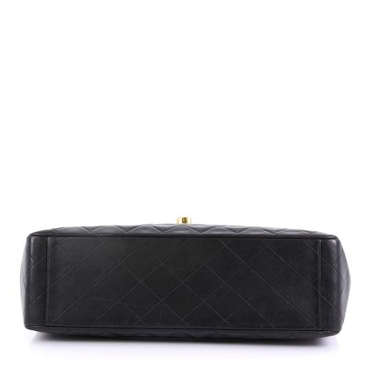 Chanel Leather Shoulder Bag Image 4