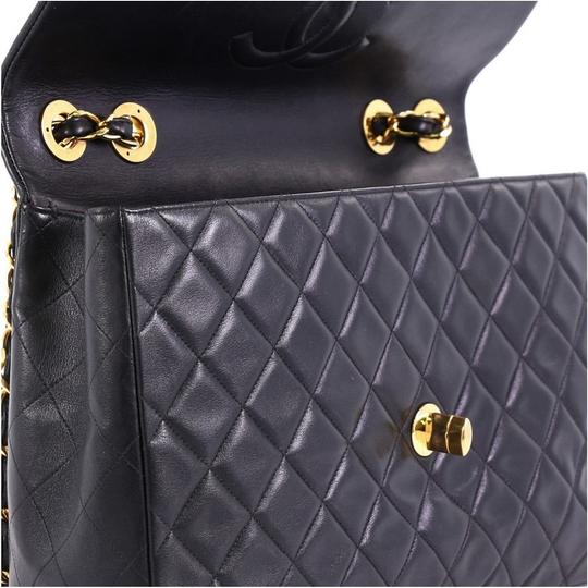 Chanel Leather Shoulder Bag Image 6