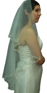 Embroidered Flowers Veil Had Sewn Beaded Edging