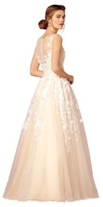 BHLDN White Cream Removable Charmeuse Sash; Tulle with Applique; Polyester Lining Ariane (#37820313) Feminine Wedding Dress Size 2 (XS)