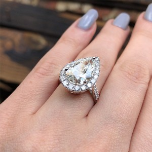 Awesome 18k White Gold Gia Certified Features 5.11 Engagement Ring