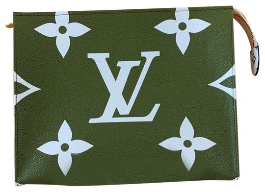Preload https://img-static.tradesy.com/item/25457702/louis-vuitton-whitekhaki-100-off-with-code-coollv-toiletry-26-pouch-giant-cosmetic-bag-0-1-540-540.jpg
