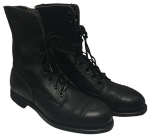 unknown Boots