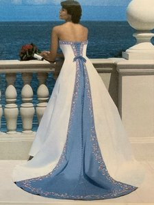 Alfred Angelo White and Rivera Sky Blue Style 1516 Formal Wedding Dress Size 4 (S)