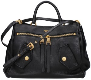 1b938148ae1 Moschino Bags - 70% - 90% off at Tradesy