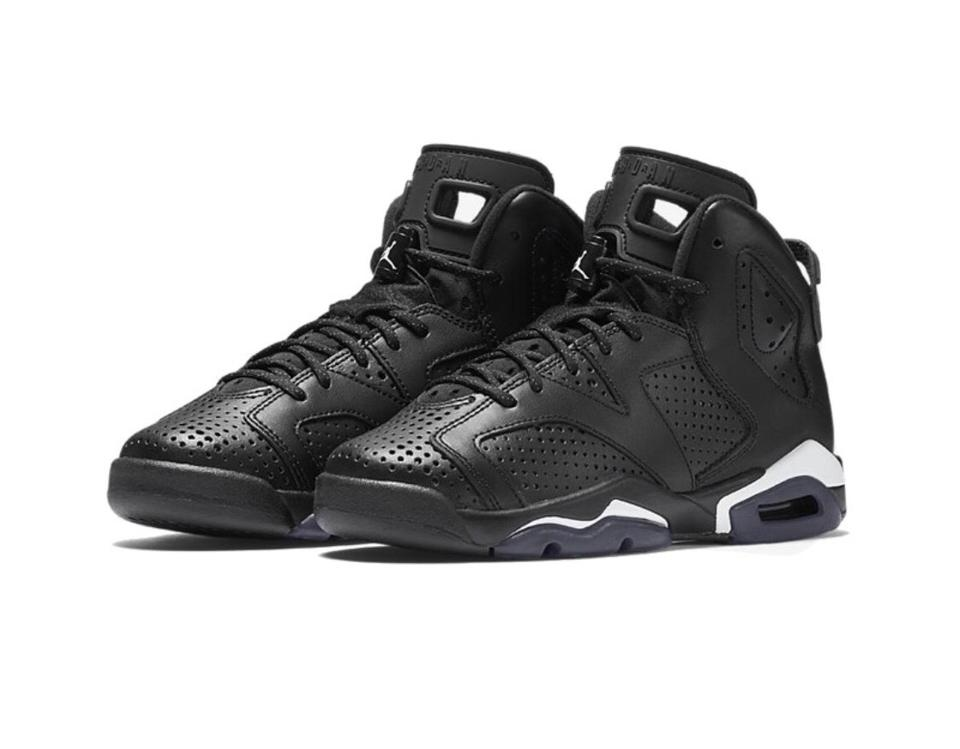 designer fashion 4cba0 45b3e Air Jordan Retro 6 Black Cat Sneakers