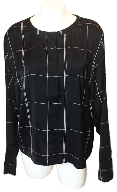 Preload https://img-static.tradesy.com/item/25461400/h-and-m-black-activewear-top-size-12-l-0-2-650-650.jpg