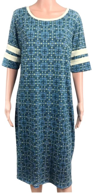 Preload https://img-static.tradesy.com/item/25462002/lularoe-bluegreen-short-casual-dress-size-22-plus-2x-0-1-650-650.jpg