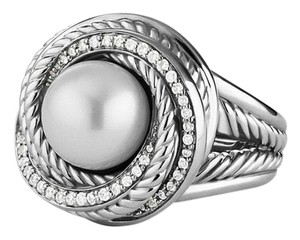 David Yurman David Yurman 'Pearl Crossover' Ring with Diamonds