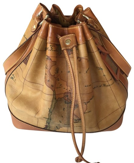 Preload https://img-static.tradesy.com/item/25462385/alviero-martini-bucket-vintage-medium-geo-classic-tan-leather-hobo-bag-0-1-540-540.jpg
