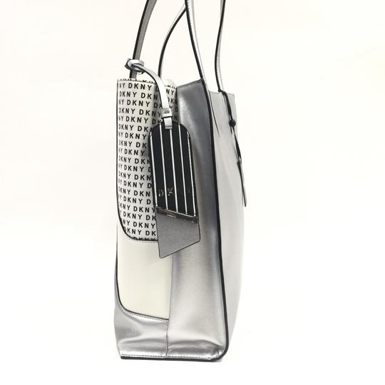 DKNY Tote in silver Image 11
