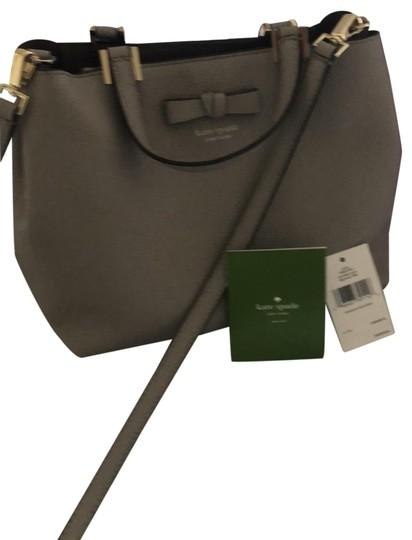 Preload https://img-static.tradesy.com/item/25462834/kate-spade-tip-handle-light-grey-soft-leather-cross-body-bag-0-1-540-540.jpg