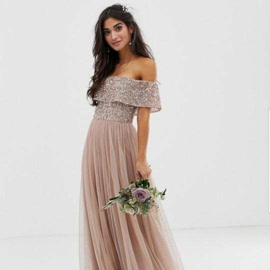 Preload https://img-static.tradesy.com/item/25463000/taupe-blush-tulle-petite-bardot-maxi-w-tonal-delicate-sequence-formal-bridesmaidmob-dress-size-2-xs-0-4-540-540.jpg