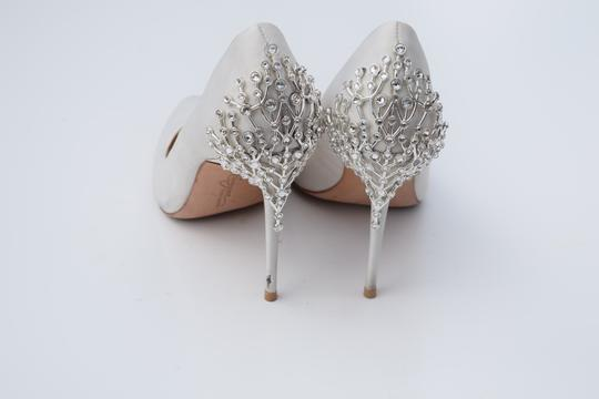 Vince Camuto off white Pumps Image 10