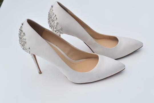 Vince Camuto off white Pumps Image 9