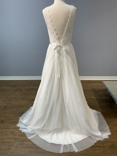 Mikaella Bridal Natural with Pearl Lining (See Photo) Lace and Soft Tulle Mik-2193 Formal Wedding Dress Size 12 (L) Image 4