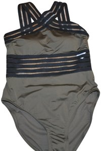 961babee2e4cd Kenneth Cole NWT KENNETH COLE Stompin' in Stilletos Illusion-striped  Swimsuit S