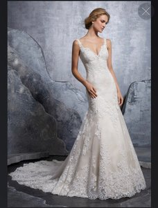 Mori Lee Ivory Lace Gown Traditional Wedding Dress Size 8 (M)