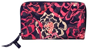 Vera Bradley Vera Bradley Accordion Wallet in Katalina Blues