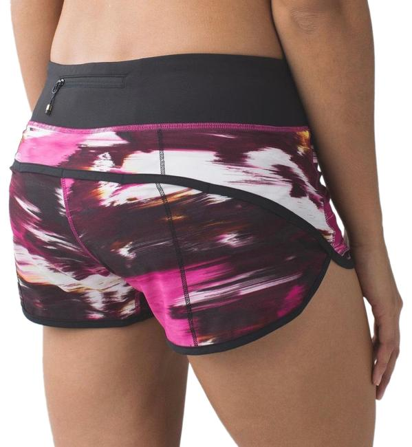 Item - Pigment Wind Berry Rumble Multi / Black Speed *4-way Stretch Activewear Bottoms Size 8 (M)