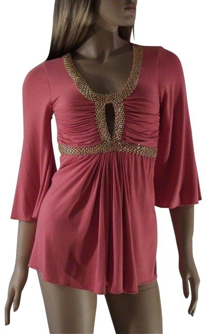 Item - With Gold Tone Chain Embellishment Small Coral Pink Top
