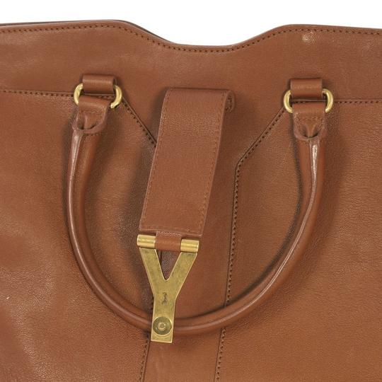 Saint Laurent Leather Tote in brown Image 6