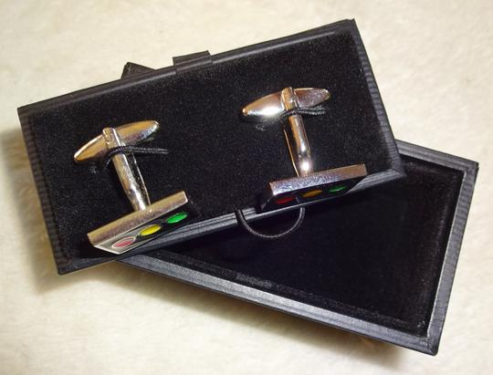 Father / Groom Gift Traffic Light Cufflinks Other Image 3