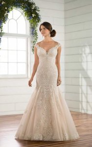 Essense of Australia Ivory Lace and Moscato Underlay Organza Tulle D2434 Formal Wedding Dress Size 6 (S)