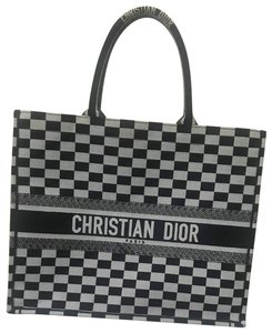 7728d6ce89 Dior Bags on Sale - Up to 70% off at Tradesy