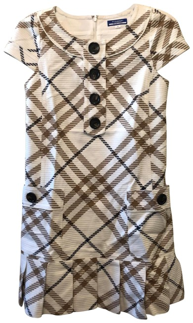 Item - White Check Short-sleeve with Pockets Mid-length Short Casual Dress Size 6 (S)
