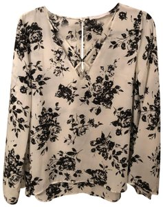 Lush Bell Sleeves Top Black and Offwhite